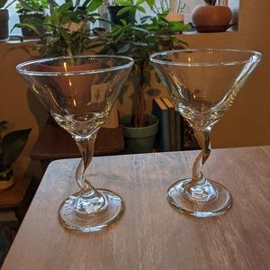 Clear zig zag martini glasses!